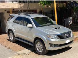 TOYOTA SW4 automatica 7 asientos IMPECABLE !!
