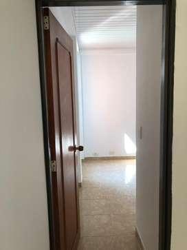 Se alquila apratmento de 3 habitaciones , incluye estudio. No se permiten mascostas y esta ubicaso en 2 piso