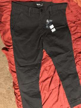 Pantalon Mossimo color plomo
