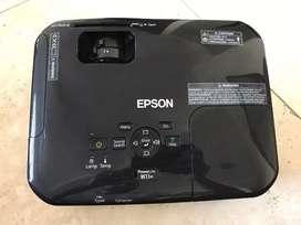 Proyector Epson PowerLite W11+ por motivo de mudanza estoy rematando