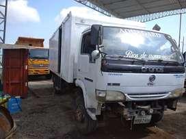 Camión Cronos 2009 de 6 toneladas sin motor.