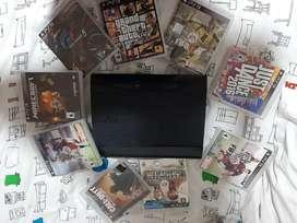 Play station 3, con dos controles y 9 juegos
