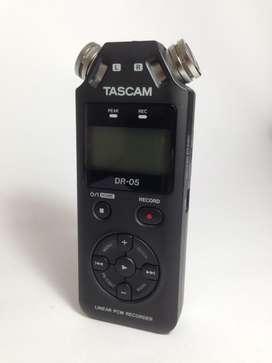 Tascam DR05 Grabadora de audio portatil Color negro