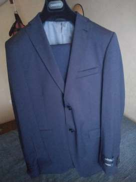 Conjunto saco de vestir con pantalon. Marca Zanetti traído de Miami-Estados Unidos