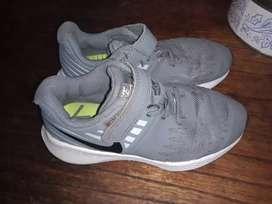 Zapatillas Nike 28 mide 17 cm
