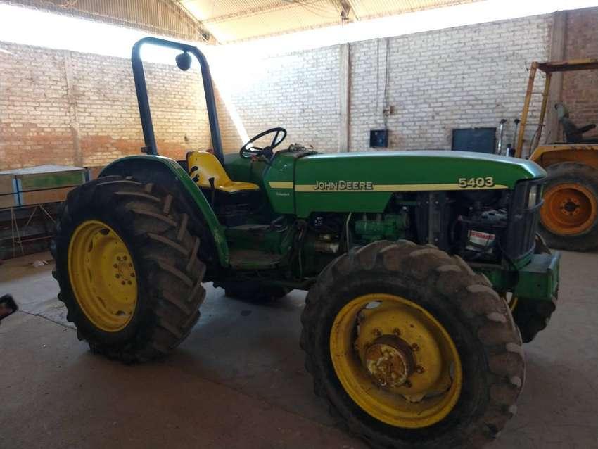 Tractor John Deere 5403 4x4 0