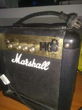 Amplificador Marshall impecable