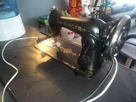 Máquina de coser SINGER plana