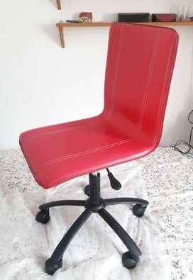 Silla Giratoria Cuero Rojo