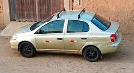 Vendo auto Toyota Yaris año 2001 en óptimas condiciones