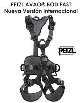 Arnes Petzl AVAO BOD FAST Full Black - Nuevo Diseño