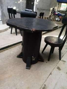 Mesas y sillas para local.