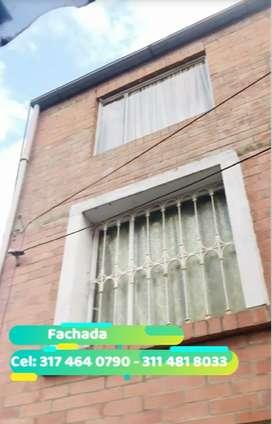 Casa de tres pisos en Madrid, Cundinamarca.