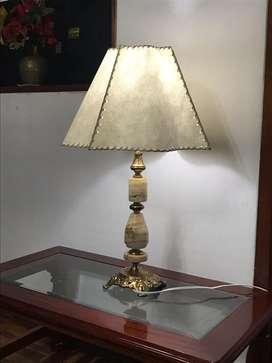 LAMPARA DE BRONCE Y MARMOL SALA, DORMITORIO,COMEDOR