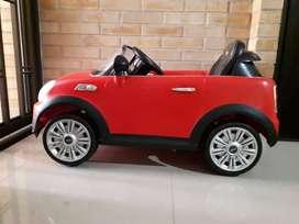 Carro de juguete automatico