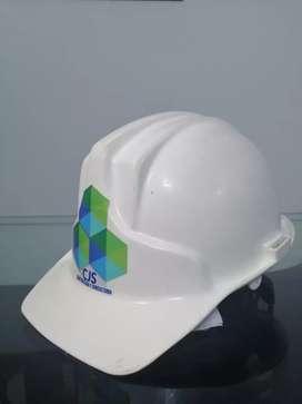 Se solicita oficial de construcción