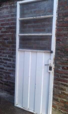 Puerta de Chapa con Vidrio