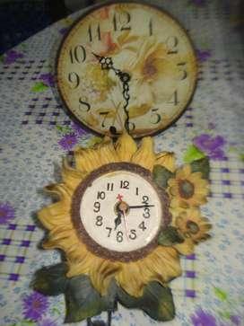 Venta De Dos Relojes Chicos De Pared A Pilas Funcionando
