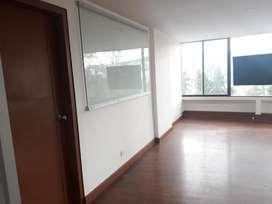 // Por el Centro de Exposiciones de Quito!! Espectacular Oficina en Arriendo de 100 m2, Sector La Carolina. Av. Amazonas