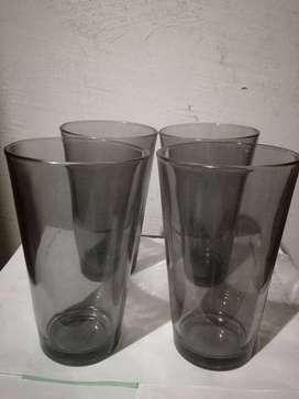 Vendo set de 4 vasos color negro
