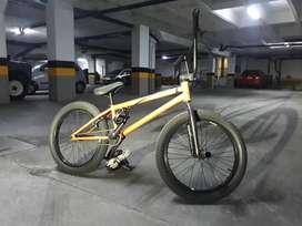Bicicleta Flybikes Neutron