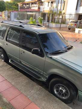 Ford explorer 1996 limited AT