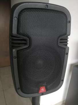 """Cabina Activa Recargable 8"""" Trípode y Microfono"""