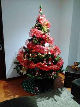 árbol de navidad sin decoración