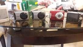 3 cámaras canon una Kodak y un iPad hp