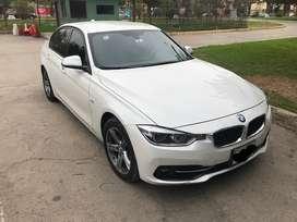 BMW 318 i , año 2018, 40,000 km de uso ejecutivo , todo original y mantenimiento en casa BMW, seguro contra todo riesgo