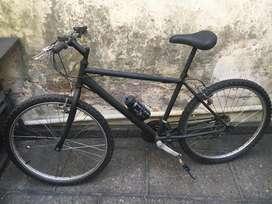 Cendo bicileta en excelente estado, punta a punto para la venta!