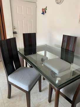 Comedor base madera y vidrio de 4 puestos