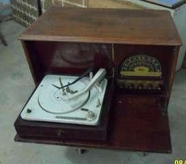 Combinado Antiguo Años 50 Ken Brown Con Radio Y Tocadisco
