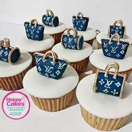 Deliciosas tortas y cupcakes personalizados para toda ocasión.  Cra 3#8-10 Ibague
