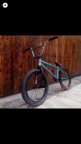 Se vende bicicleta bmx marca Haro