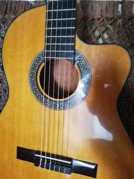 En venta guitarra electroacústica