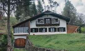 Casa con 1 hectarea de terreno en Cuenca Ecuador