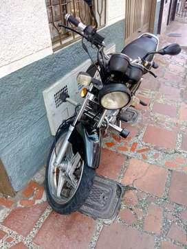 Vendo Suzuki GS 125 2.300 papeles al día hasta octubre 2020