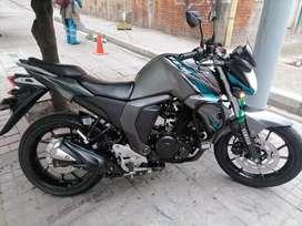 Vendo Motocicleta fz 2.0 papeles al día precio negociable