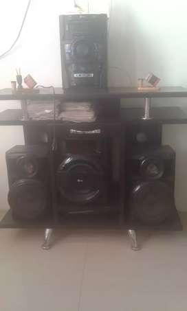 Equipo de sonido y multimueble vendo