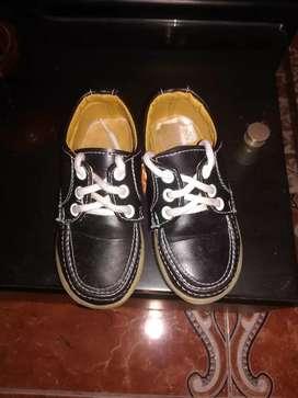 Zapatilla negros talla 23