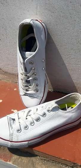 Vendo zapatittas blancas#34