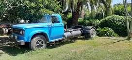 Dodge 800 tractor