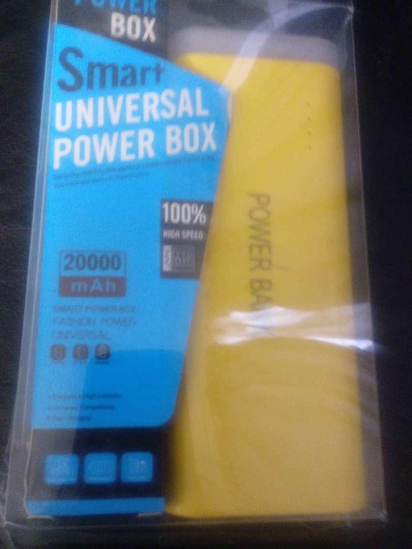 Cargador portatil PowerBank 20.000 Mah con linterna