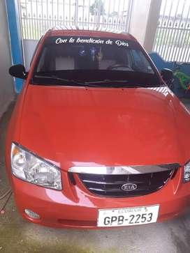 Se Vende Auto Kia Cerato del 2005 color rojo