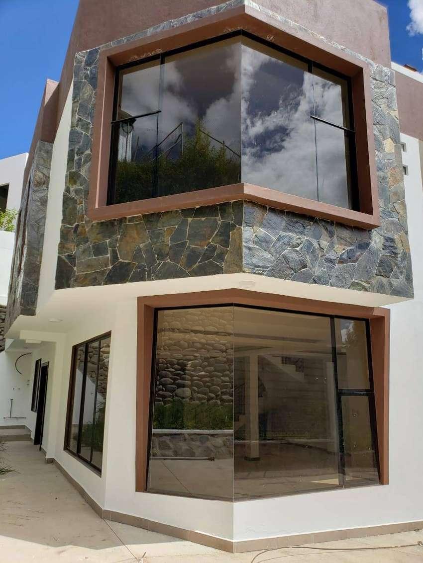Hermosa Casa en Venta en Challuabamba 0