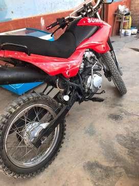Se vende moto marca sumo en buen estado