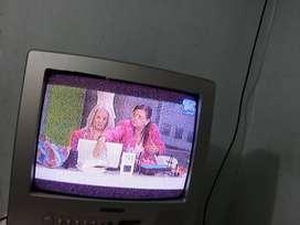 """Televisor DAEWOO 14"""" Koreano usado"""