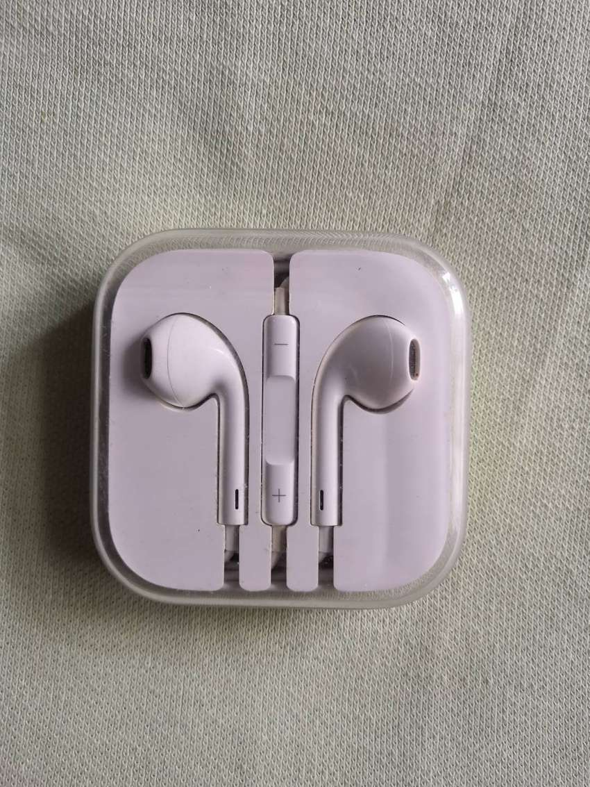 Earphones iPhone Completamente Originales 0