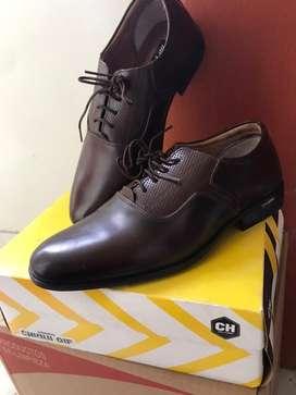 Zapatos d' cuero niño talla 34